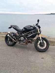 Ducati Monster 1100evo 2012