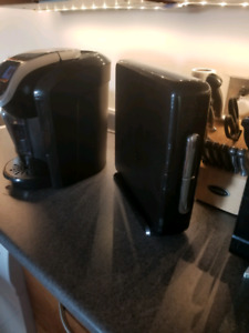 Keurig 2.0!! Mint Condition! + Extras!!