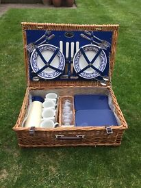 Vintage Optima Picnic Basket