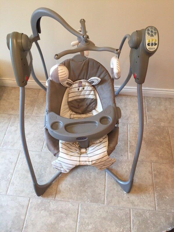 Graco motorised musical baby rocking swing £30 ono
