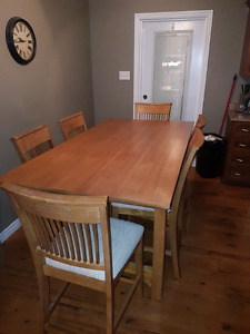 6 seat pub style table and chairs