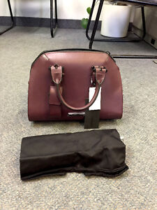 BRAND NEW KYLIE JENNER RED PURSE