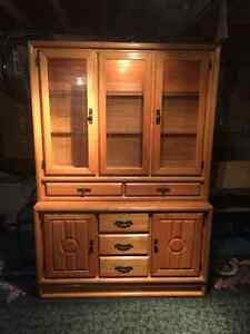 Buffet et huche/ vaisselier buffet and hutch