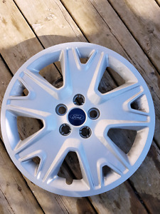 2015 ford escape hubcap