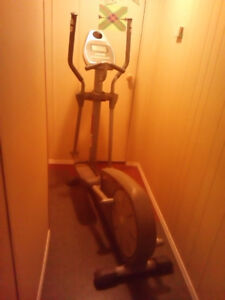 X200 Elliptical Cross Trainer