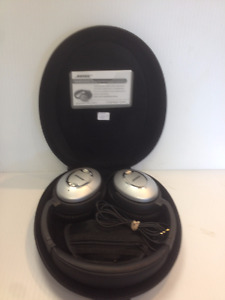 Bose noise cancelling headphones with case-model QC 15
