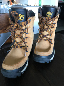 Boy's Timberland Boots Size 13