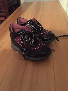 Toddler shoes size 22 West Island Greater Montréal image 3