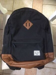 Herschel Youth Back Pack / Sac a Dos- *LIKE NEW*