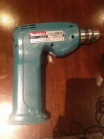 4.9v Makita drill rechargeable