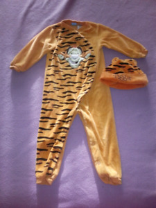 Tigger one piece sleeper with hat size 24 months