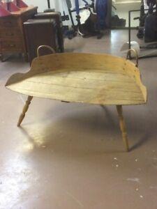 Table décorative antique