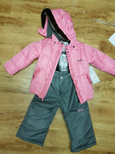 GUSTI snowsuit, new with tags! Sz 4