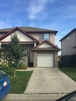 Excellent 2 Bedroom Townhouse in Spruce Grove for Rent !
