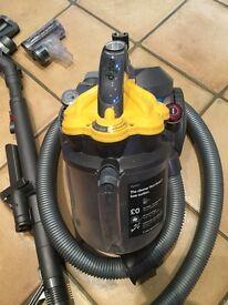 Dyson dc19td vacuum cleaner