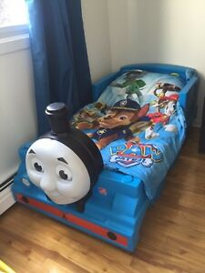EXCELLENT CONDITION TODDLER / KID BED