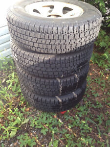 Four Nordic Wintertrac snow tires on rim. 205/75r15 Gatineau Ottawa / Gatineau Area image 1
