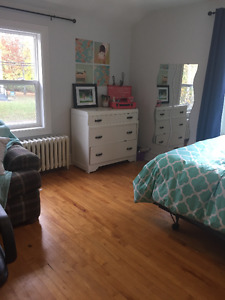 Acadia/ Wolfville - Bay Street room rental! All Inclusive