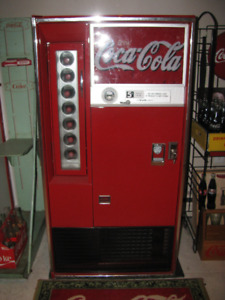 COCA COLA VENDO 56  WORKING MACHINE 1970'S