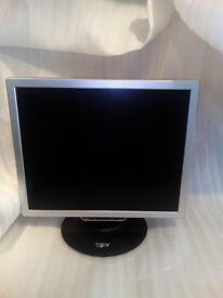 MONITOR 19 INCH GNR VGC WORKING! *NO TEXTS PLEASE*