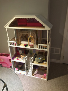 Kid Craft Dollhouse and accessories