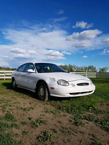 1998 Ford Taurus low kms!