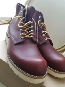 BRAND NEW RED WING BOOTS 10.5