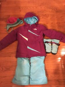 The North Face snowsuit size 6 / Habit de neige The North Face 6