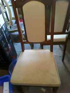 Dining table with leaf,  6 chairs,  and buffet $50 Kitchener / Waterloo Kitchener Area image 5
