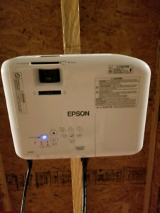EPSON HD Home Theatre Projector (brand new condition)
