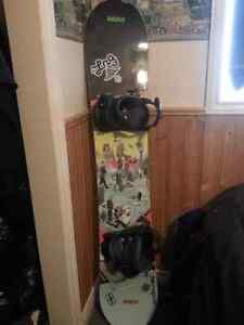 154cm omatic snowboard brand new bindings with 686 men's jacket