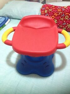 Little tikes bouncy chair very good condition