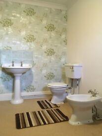 Heritage ceramic 5 piece bathrooms suite