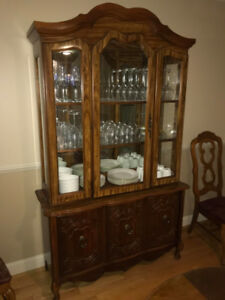 Antique Dining Set and Matching Hutch/China Cabinet - $600 OBO