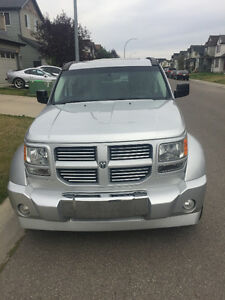2010 Dodge Nitro SXT - 4WD - Leather- Sunroof- Remote start