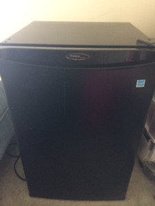 Used bar fridge (good condition and works great)