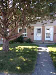 3 bedroom townhouse for lease