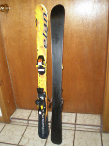 Kid's downhill skis and boots assorted lengths and boot sizes