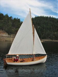 Enjoy your summer in a classic sailing/rowing dory