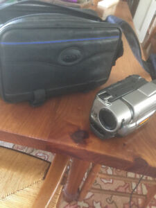 8 MM camcorder Sony sony ccd-trv75