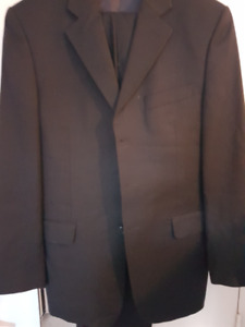 BRAND NEW YVES SAINT LAURENT MEN'S SUIT