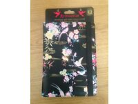 Accessorize tablet cover up to 8inch