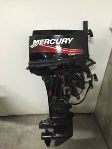 Mercury 30 hp 2007 avec starter moteur hors bord à bras