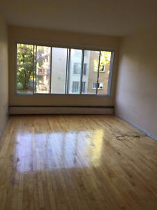 bright big 3 bedroom heat and hot water included