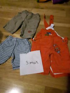 Plusieurs vêtements 0-3 mois (salopette pantalon)