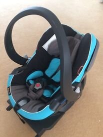 Group 0+ car seat and Isofix base