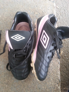Girls youth Umbro soccer cleats.