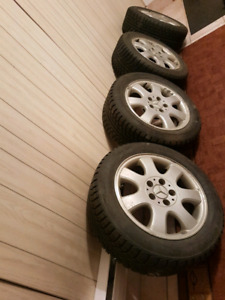 4 pneus d'hiver Mercedes Nord Frost mags (205-55-16)neuf 450$