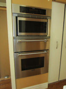 Thermador Stainless Steel Triple Wall  Oven