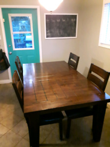 Ashley Dining Room Table & Chairs